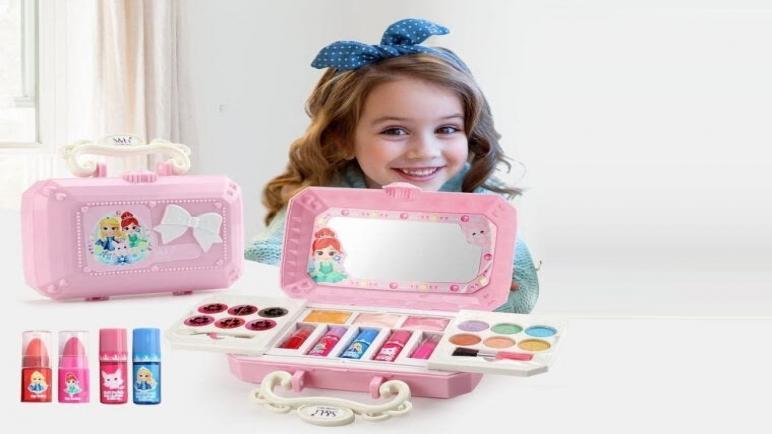 شاركي طفلتك المتعة.. أجمل ألعاب البنات لمكياج وتلبيس العرائس