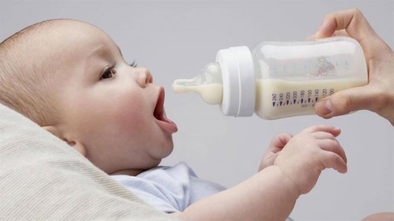 أفضل أنواع فيتامين د للرضع مع الحليب الصناعي