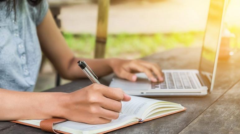 أفضل 5 أنواع لابتوب للدراسة والأعمال المكتبية بأقل من 600 دولار