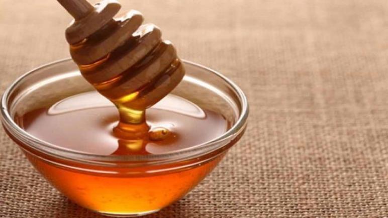 فوائد عسل المانوكا ولماذا يعتبر من أفضل أنواع العسل؟