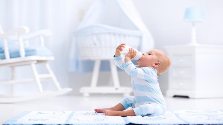 أفضل أنواع الحليب الصناعي وفق احتياج طفلك