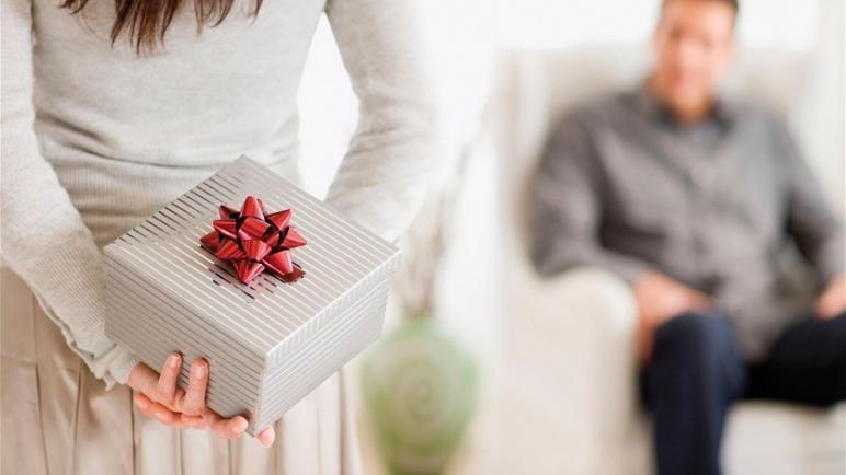 أفكار مبتكرة لأفضل 10 هدايا رجالية لعام 2021