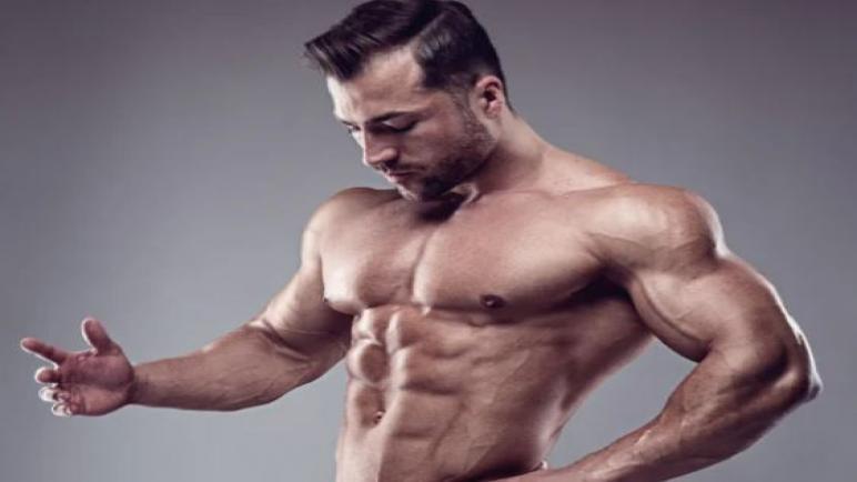 أفضل المُكملات الغذائية لبناء العضلات وطريقة استخدامها