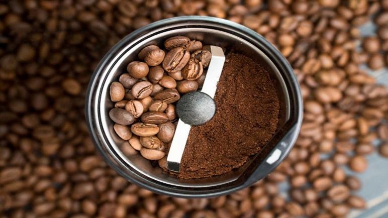 أفضل أنواع مطاحن القهوة من اليدوية إلى الكبيرة