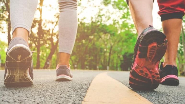أفضل حذاء طبي رجالي ونسائي لعام 2021